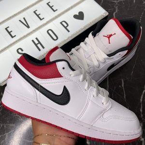 Jordan Retro 1 Low - Red Black White